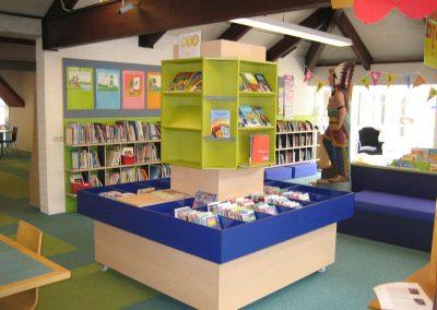 Bibliotheekmeubel Makkelijk lezen plein